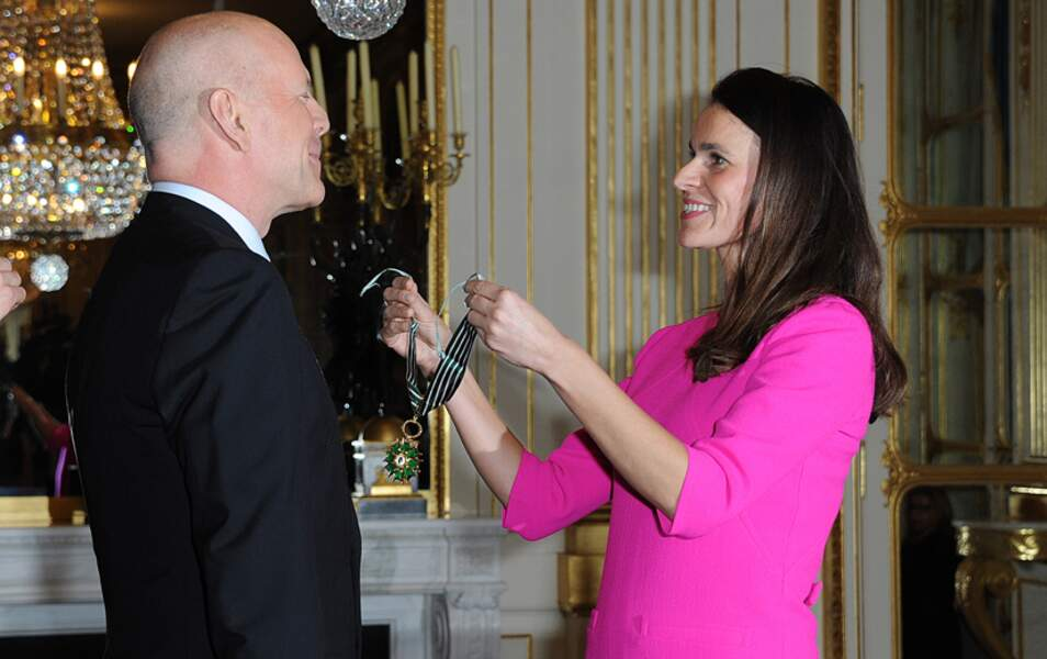 Aurélie Filippetti remet la médaille de Commandeur dans l'ordre des arts et des lettres