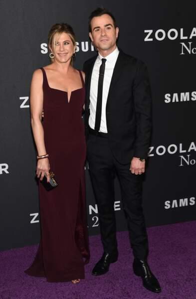 Justin Theroux est beaucoup mieux au naturel et pose avec sa femme Jennifer Aniston