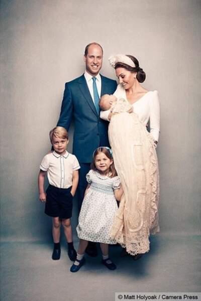 Portrait officiel : Le prince William et Kate Middleton avec leurs trois enfants, George, Charlotte et Louis