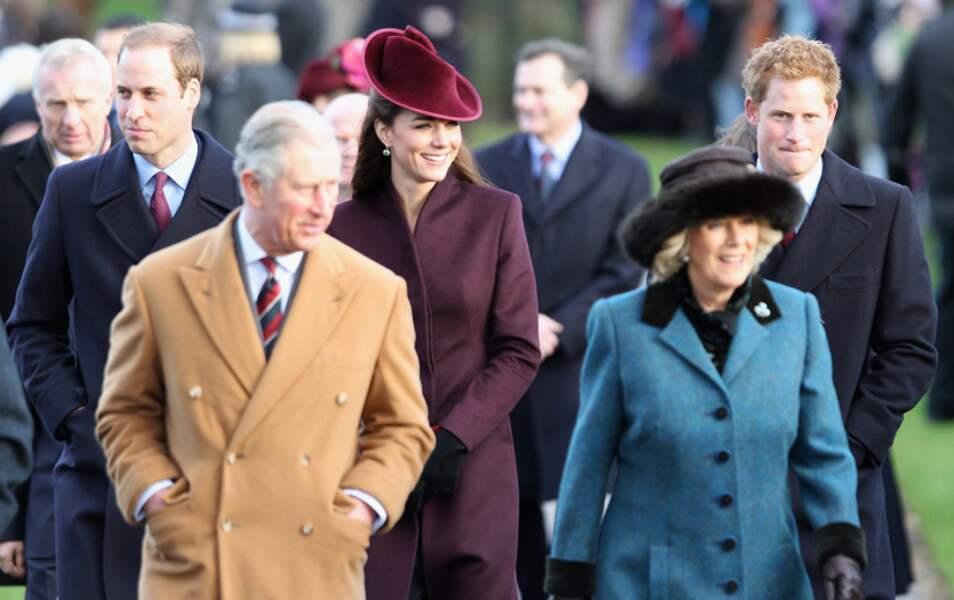 En décembre, ils passent leur premier Noël de jeunes mariés avec la famille royale à Sandringham