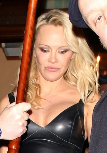 Pamela Anderson présente sa nouvelle collection de lingerie