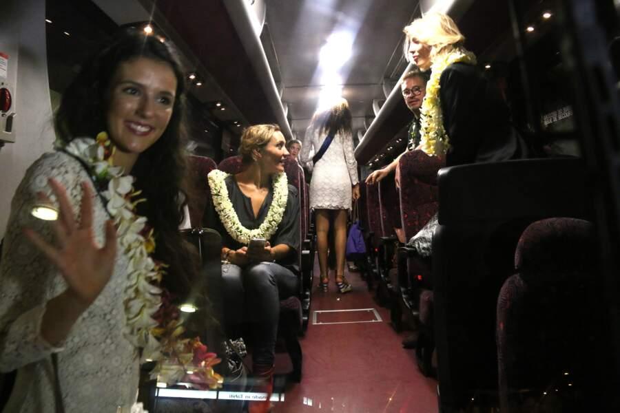 Pas de limousine pour nos Miss... Mais un bus !