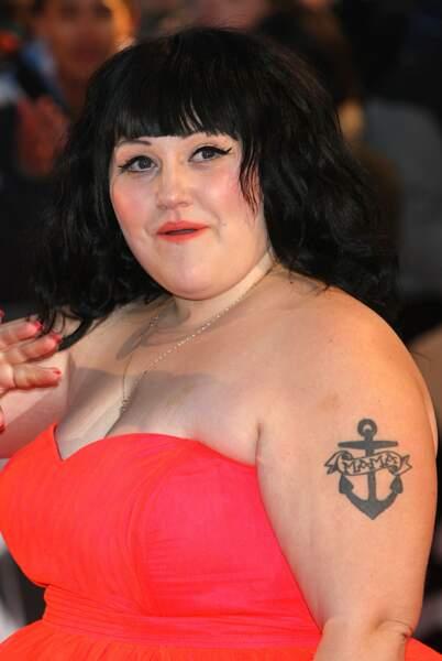 Le tatouage ancre marine de Beth Ditto