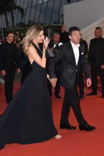 """Antonio Banderas et sa compagne Nicole Kimpel pour la montée des Marches de """"Douleur et Gloire"""""""