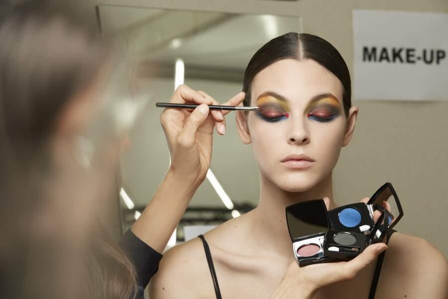 Les paupières pop : défilé Chanel Haute Couture