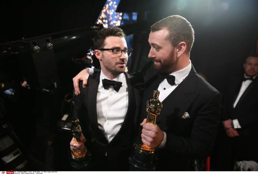 Sam Smith et Jimmy Napes étaient très émus de reçevoir un Oscar pour la chanson Writing's on the wall