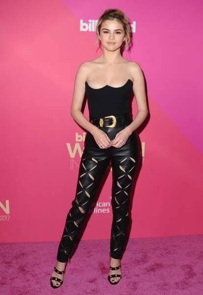 Do : Selena Gomez dans un look rock et sexy