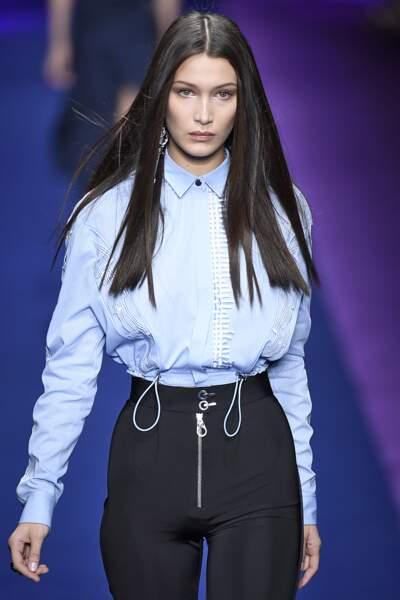 Défilé Versace printemps-été 2017 : BELLA HADIIIIIIIID <3