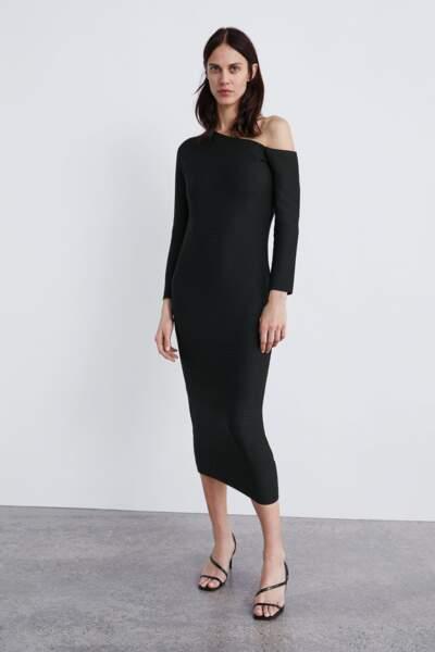 Robe structurée à épaule dénudée, Zara, 39,95€