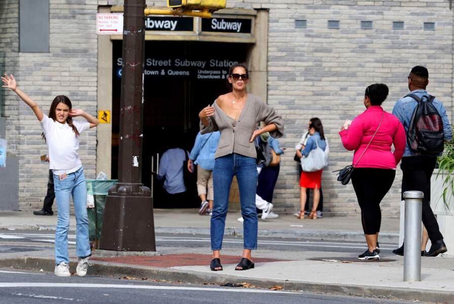 Katie Holmes dans les rues de New York - 27 août 2019