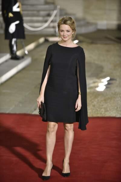 Virginie Efira ravissante dans une petite robe noire
