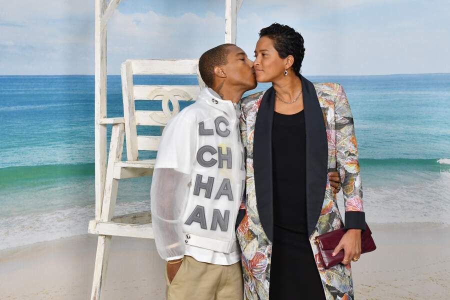 Pharrell Williams et Helen Lasichanh au défilé Chanel printemps-été 2019, mardi 2 octobre au Grand Palais