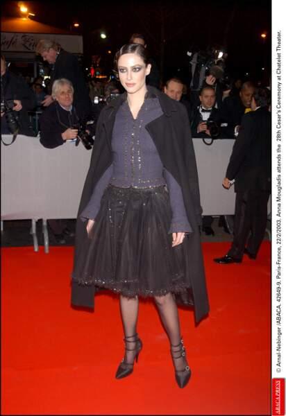 C'est marrant, en 2003 Armande Altaï avant un air d'Anna Mouglaglis
