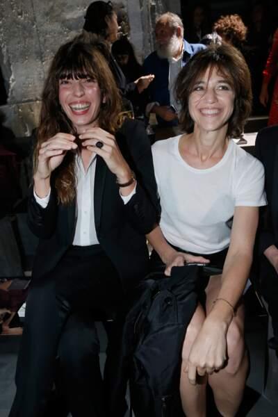 Fashion Week défilé Saint Laurent : bonne ambiance pour les deux soeurs