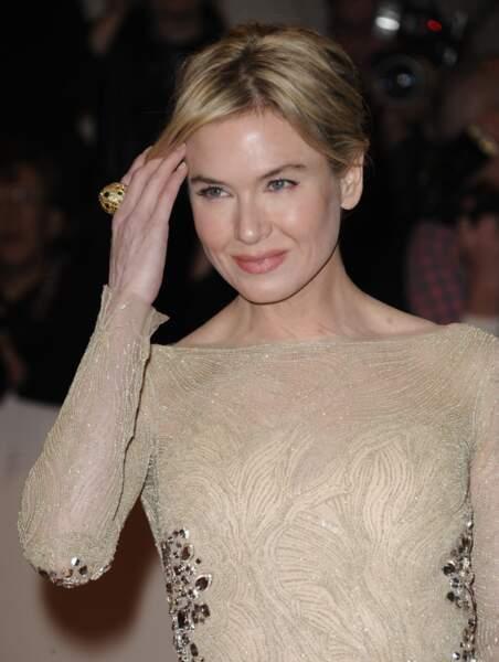 Ces stars qui ont VRAIMENT abusé de la chirurgie esthétique : Renee Zellweger avant