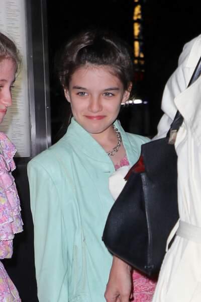 Katie Holmes emmène sa fille Suri et ses amies au restaurant, à New York, pour ses 13 ans