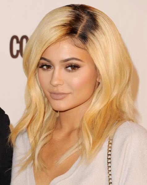Tendance racines apparentes : ces people qui osent les afficher - Kylie Jenner