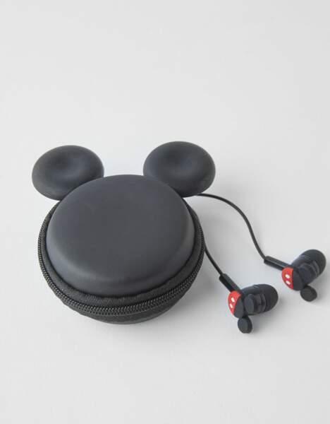 Casque Mickey avec trousse, Bershka, 9,99€