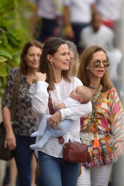 Pippa Middleton et son fils Arthur, à Saint-Barthélemy, le 29 décembre 2018