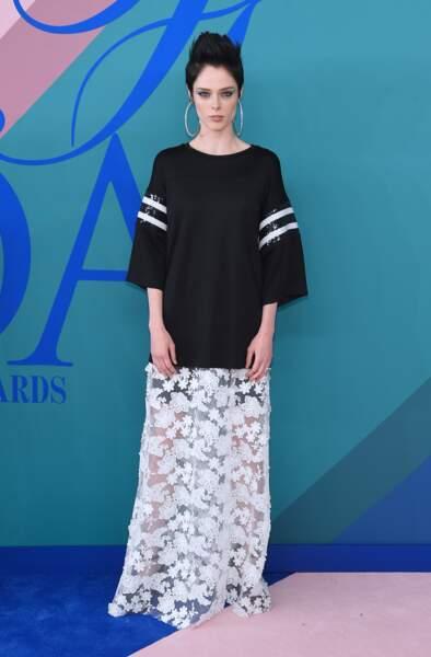 CFDA Fashion Awards 2017 - Le top Coco Rocha qui a l'air d'avoir très envie d'une coupette de sang frais