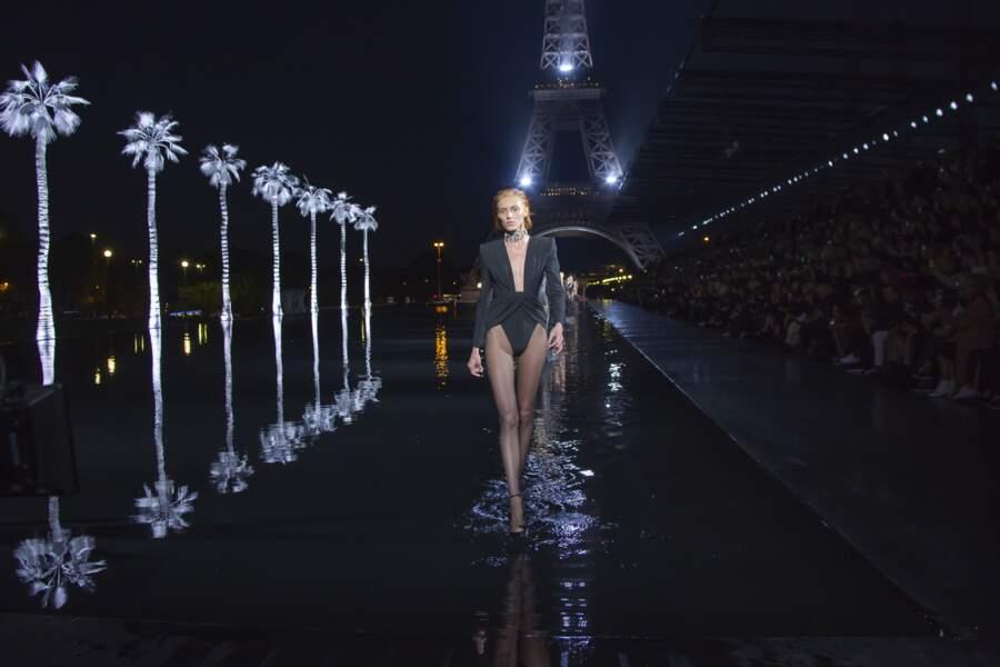 Défilé Saint Laurent à la fashion week de Paris, le 25 septembre