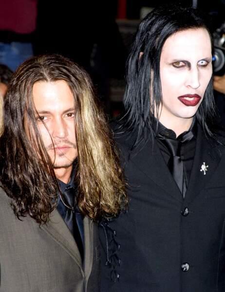 On vous JURE que c'est Johnny Depp. (A gauche hein...)