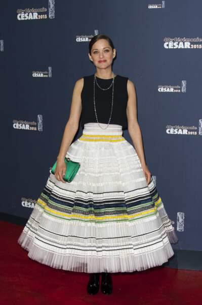 Marion Cotillard, frappante dans le rôle du bol inversé en 2015