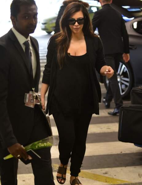 Kim Kardashian à l'aéroport Roissy Charles-de-Gaulle