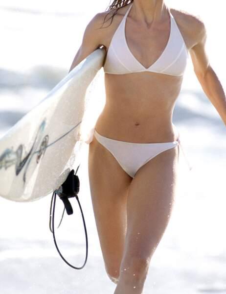 Forcément, en faisant du surf, c'est facile d'avoir un corps comme ça...