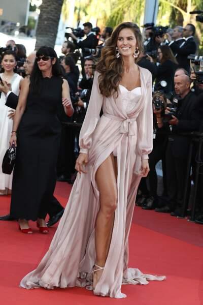 Festival de Cannes, les accidents de tenue les plus sexy - Izabel Goulart