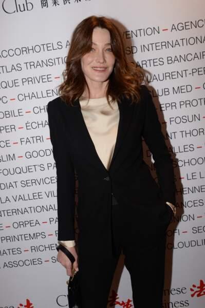 Carla Bruni Sarkozy au Pavillon Gabriel à Paris le 8 mars 2019