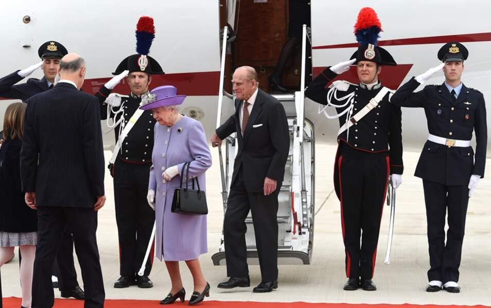 La reine Elizabeth II et le prince Philip arrivent à l'aéroport de Ciampino