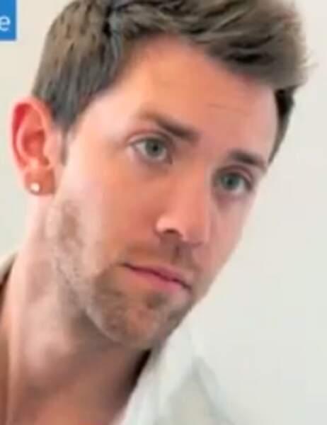 Nicholas Ryan a dépensé 5 000 dollars pour ressembler à...