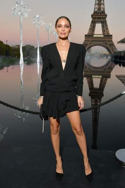 Nicole Richie au défilé Saint Laurent à la fashion week de Paris, le 25 septembre