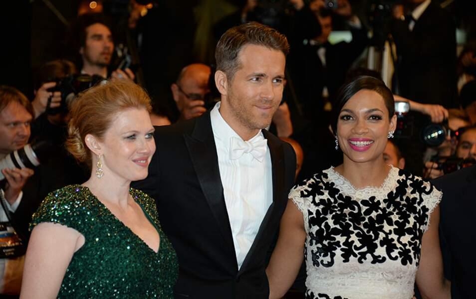Ryan Reynolds entouré de ses partenaires dans le film