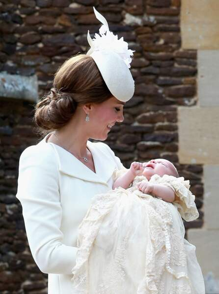 Un moment d'émotion pour Kate Middleton, qui n'a pas tardé à retrouver sa taille de guêpe