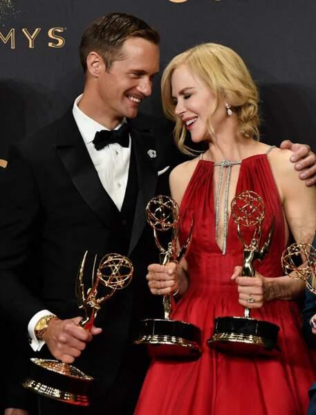 Emmy Awards 2017 : Nicole Kidman et Alexander Skarsgard posent avec leurs récompenses pour Big Little Lies