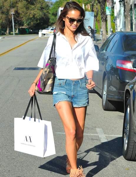 La belle Jamie Chung et ses gambettes bronzées