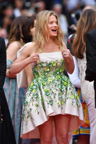 Cannes 2017, retour sur les accidents de tenue les plus sexy - Mélanie Thierry en plein dilemme