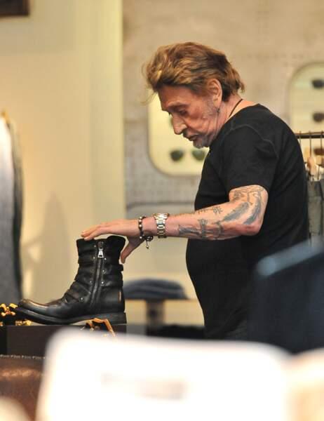 Johnny en pleine séance shopping
