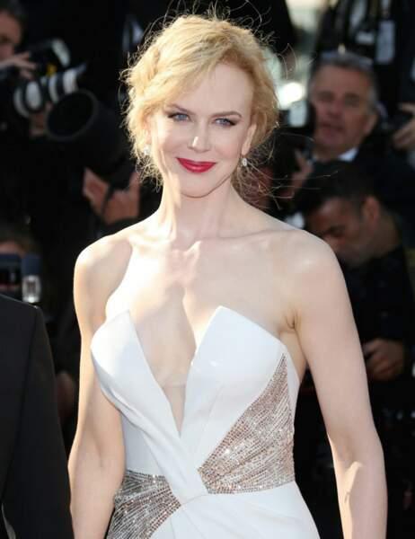 Palme du décolleté tellement plongeant qu'on aperçoit l'étiquette de la culotte : Nicole Kidman