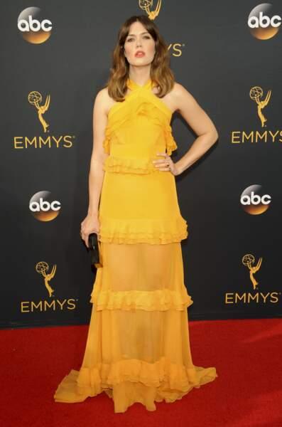 Emmy Awards 2016 : Mandy Moore, superbe en Prabal Gurung