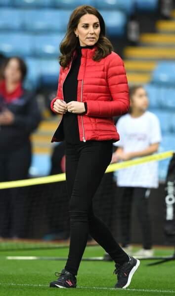 Kate Middleton a rendu visite au Aston Villa FC ce mercredi