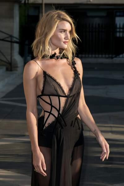L'actrice était sublime dans sa robe toute en transparence
