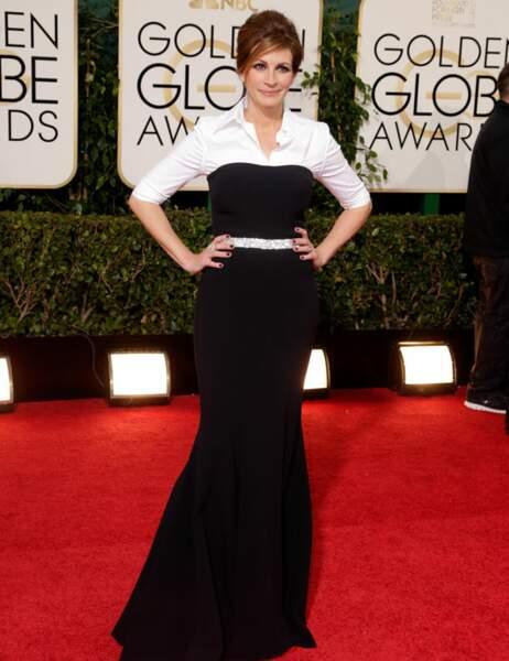 Julia Roberts est toujours aussi belle, mais la robe-chemise, on n'est pas fans