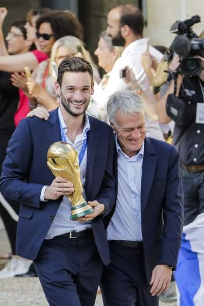 Les Bleus à l'Elysée après leur victoire en coupe du monde : Hugo Lloris et Didier Deschamps