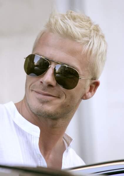 David Beckham en 2007: il tente le blond platine et ça lui va pas trop mal!