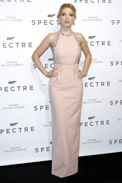 La James Bond girl Léa Seydoux en Miu Miu