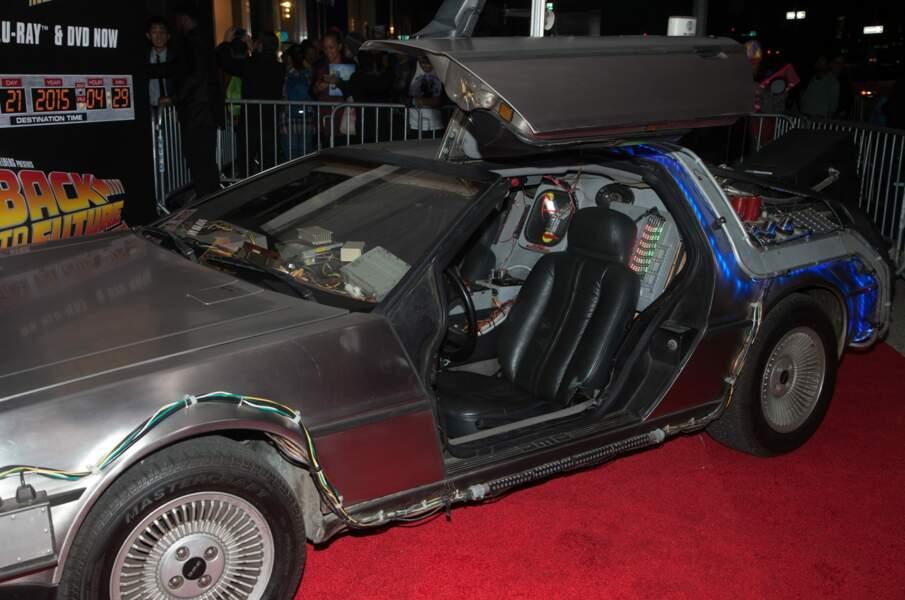 L'autre star du film, la DeLorean bien sûr !