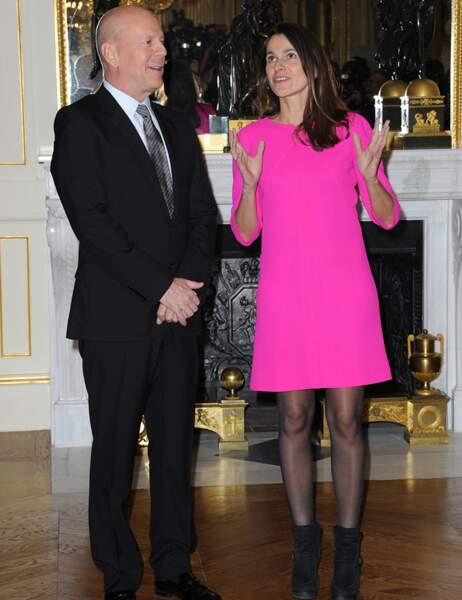 Bruce Willis et Aurélie Filippetti dans une robe très... voyante